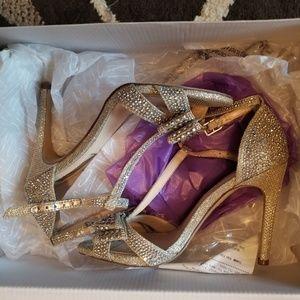 I.N.C Formal Bow Heels
